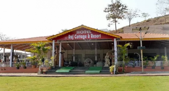 Hotel Raj Cottage and Resort, Karjat